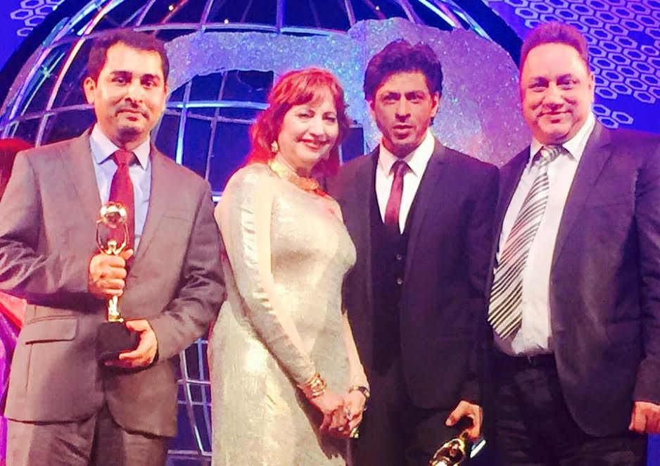 hon_-asha-seth-and-bollywood-star-shahrukh-khan-were-among-the-winners-recognized